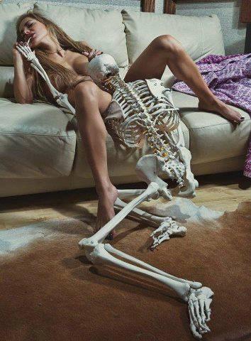 ženy provádějící orální sex
